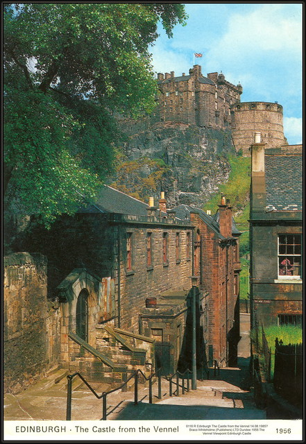 0116 R Edinburgh The Castle from the Vennel 14.08.1985? Braco Whiteholme (Publishers) LTD Dundee 1956 The Vennel Viewpoint Edinburgh Castle