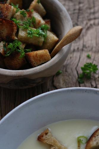 Kartoffelsuppe mit geschmortem Lauch