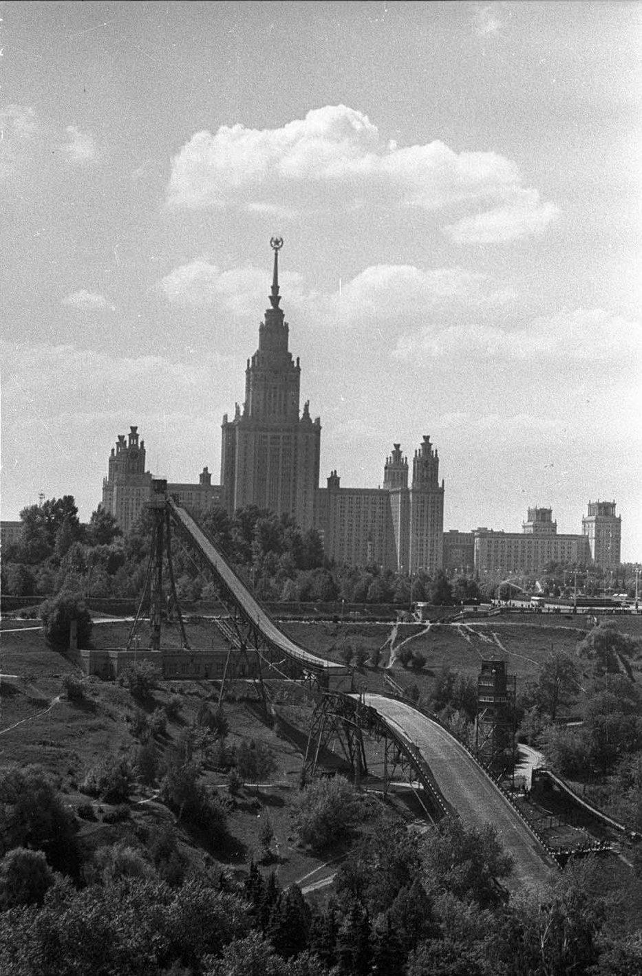 1959—1961. Большой лыжный трамплин