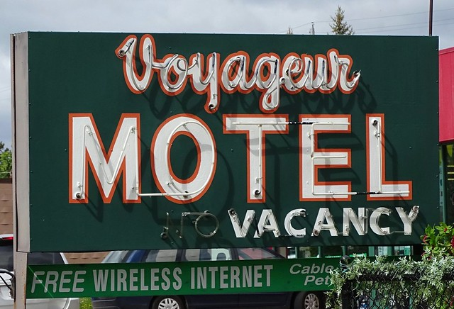 MN, Two Harbors-MN 61 Voyageur Motel Neon  Sign
