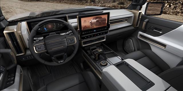 2022-GMC-Hummer-EV-7