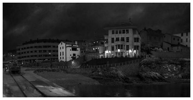 Vista nocturna de Tapia de Casariego