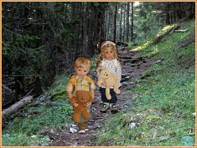 Das Wandern ist der Kinder Lust... ♫ ♫ / Hiking is the children's joy... ♫ ♫