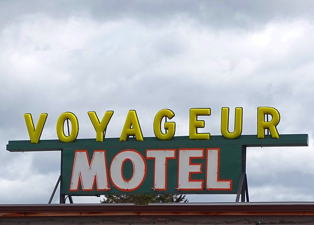 MN, Two Harbors-MN 61 Voyageur Motel Roof Sign