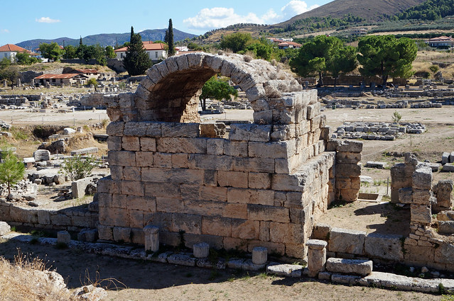2020-10-09 054 Griechenland; Korinth;  Nordwest-Läden