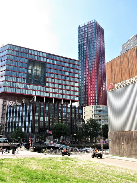 Rotterdam, The Red Apple