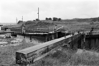 Lock gates, Lydney Harbour, 1988 88-7a-62-positive_2400