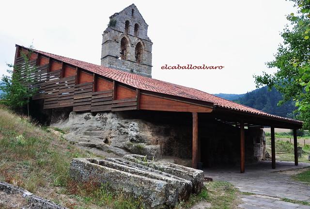 730 – Iglesia rupestre Santa María de Valverde – Cantabria - Spain.