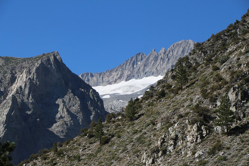 Zoomed-in view of Clyde Glacier far up the South Fork from the North Fork Big Pine Creek Trail