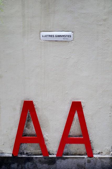 AA - LLETRES GIMNASTES - POEMA CORPORI DE JOAN BROSSA - CARRER RAURIC, 6