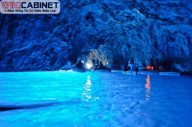 wikicabinet-anh-hang-dong-bien-Blue-Grotto