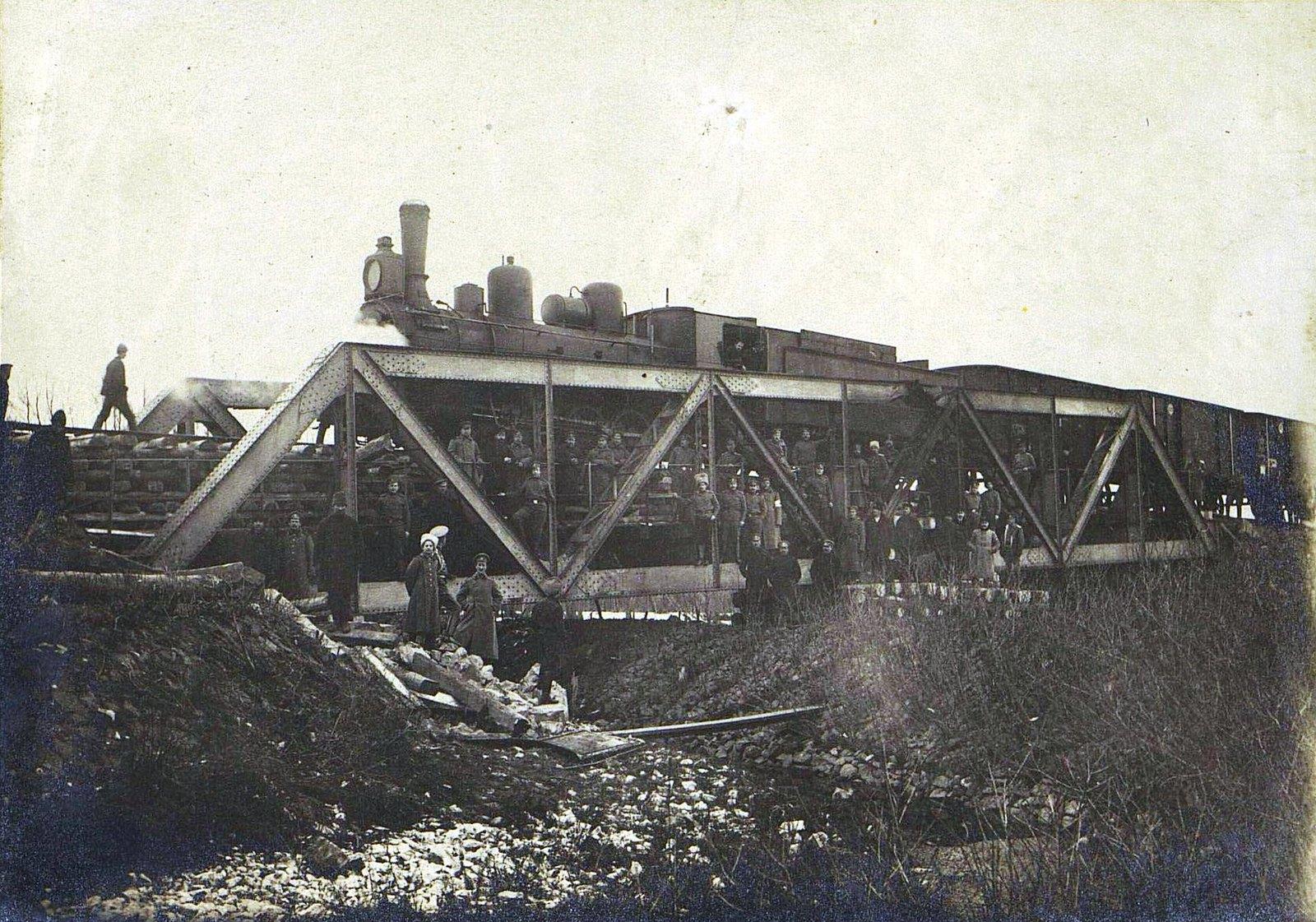 06. Испытание пятнадцатисаженного моста на 117-й версте через реку Бобрус, восстановленного силами дороги