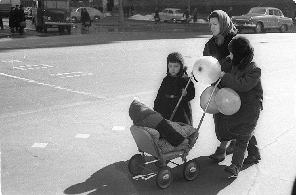 1959. С прогулки