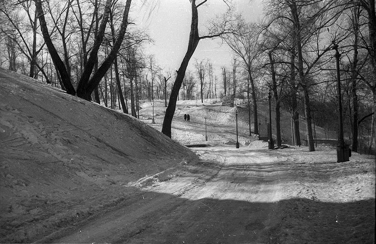 1958. Нескучный сад