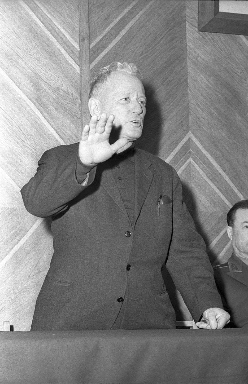 1958. Выступление писателя Михаила Шолохова