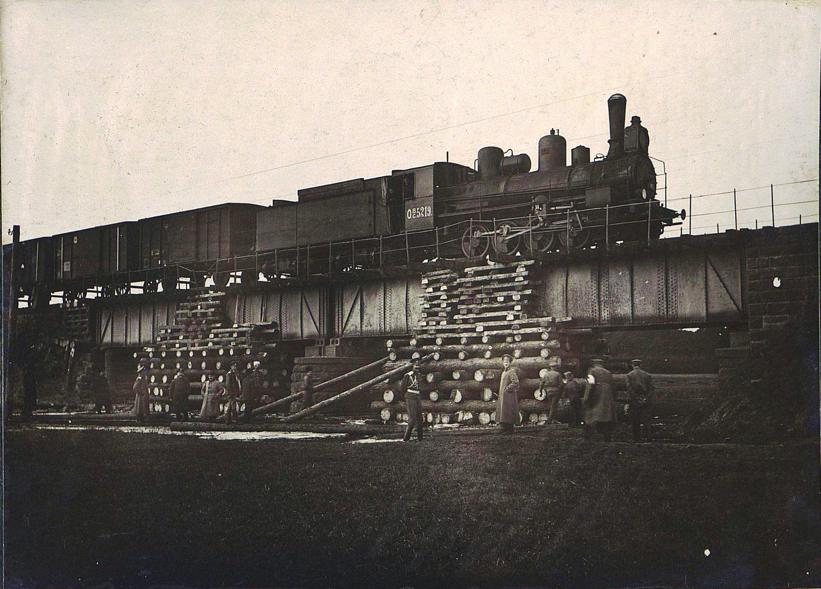 05. Испытание четырнадцатисаженного моста на 118-й версте через реку Суфраганец, восстановленного силами дороги