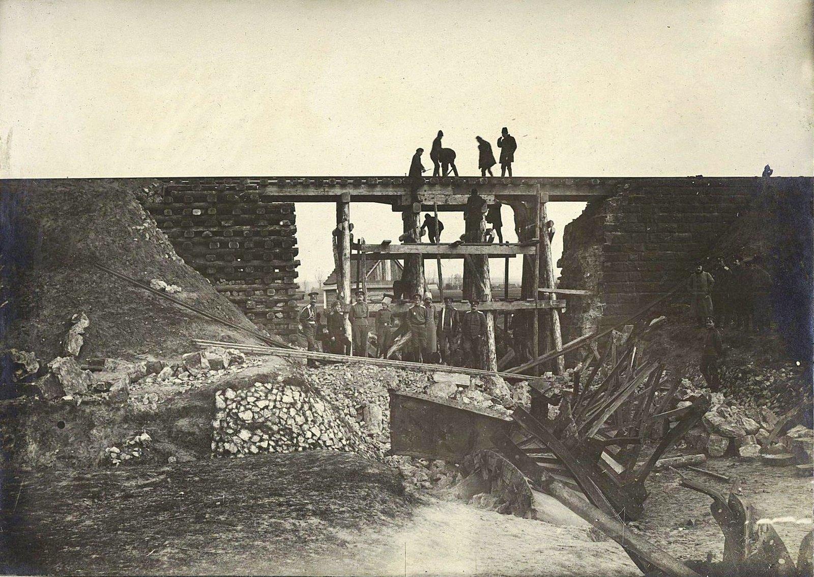 03. Восстановленный силами дороги четырёхсаженный мост на 120-й версте