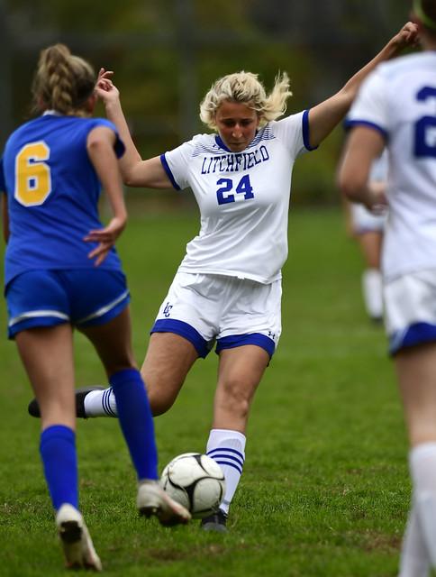 201020_Soccer_9375