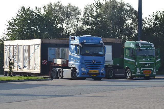 Mercedes Actros - PK Transport Randers - BK Transport & Spedition ApS -  DK  BT 89 131 - Volvo FH13 500 - Tage Kristensen Hanstholm - DK  AJ 90 487
