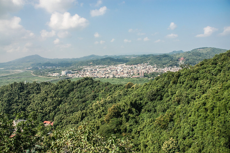 旗美山第三段裸岩區俯瞰旗山市區