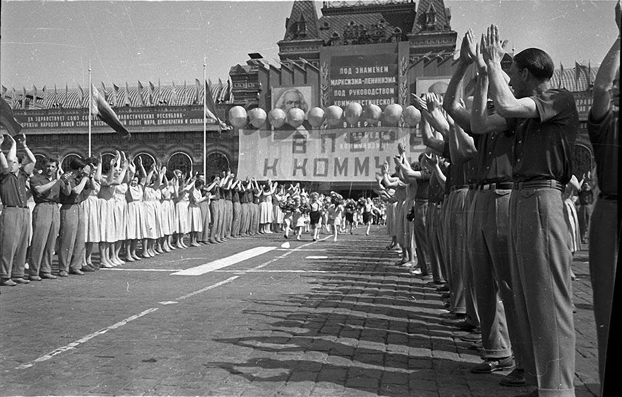 1959. Демонстрация 1 мая. Красная площадь (8)