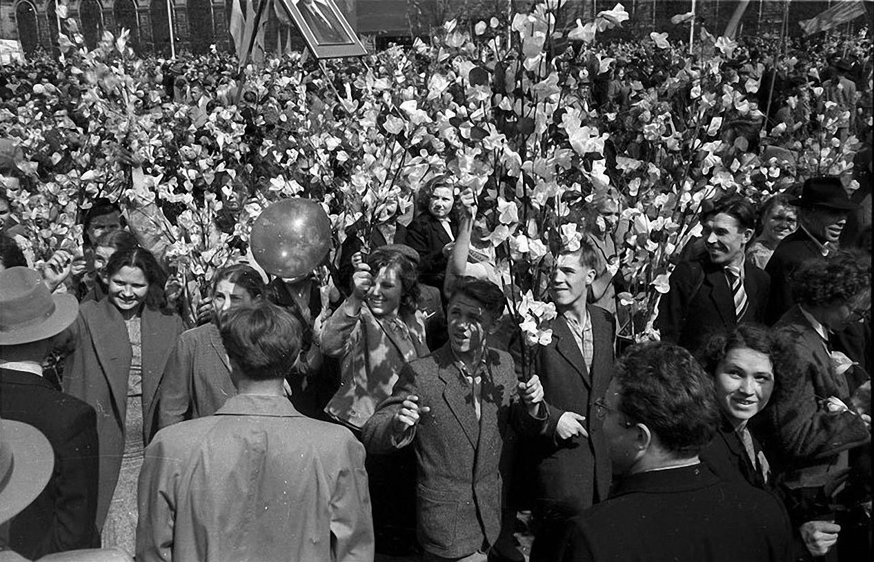 1959. Демонстрация 1 мая. Красная площадь (6)
