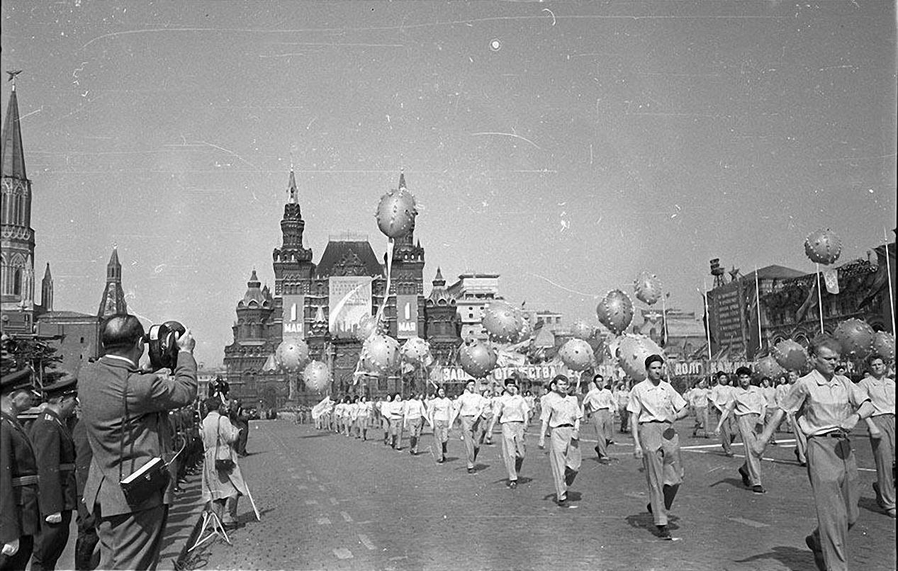 1959. Демонстрация 1 мая. Красная площадь (9)