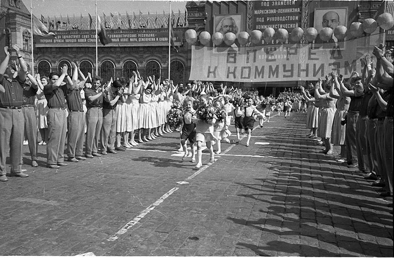 1959. Демонстрация 1 мая. Красная площадь (5)
