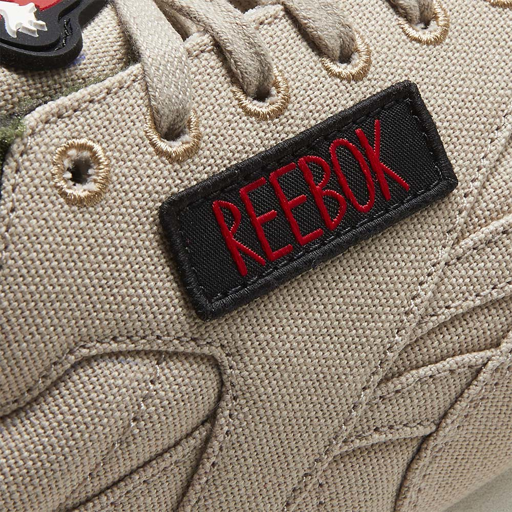Reebok《魔鬼剋星》兩雙聯名鞋款曝光!經典元素注入,還附上抓鬼服務的電話號碼