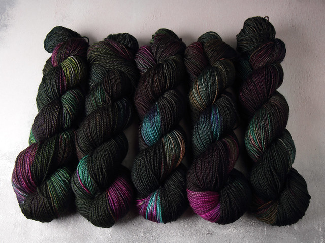 Favourite Sock – pure merino 4 ply/sock superwash wool hand dyed yarn 100g – 'Nebula'