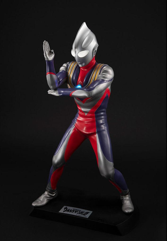 Ultimate Article 超人力霸王迪卡 (複合型態) 魄力40公分呈現豐富聲光!