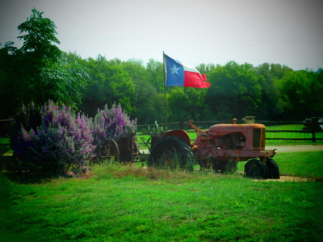 Tractor & Texas Flag