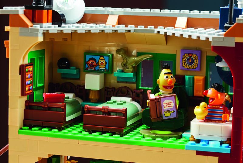 21324: LEGO Ideas 123 Sesame Street