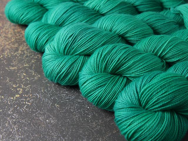 Favourite Sock – pure merino 4 ply/sock superwash wool hand dyed yarn 100g – 'Aquaphobia' (neon turquoise)