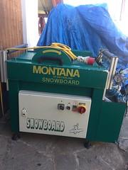 Montana stroj na broušení snowboardů a lyží včetně - titulní fotka