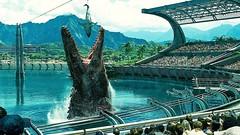 Mosasaurus Feeding Show Scene - Jurassic World (2015)