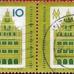 Thu, 2020-10-22 01:15 - Postage stamp - Leipzig Autumn Fair 1961 - Alte Waage (Leipziger Messeamt) trade fair sign - Issue value: 10 Pfennig (GDR 1961); Timbre-poste - Foire d'automne de Leipzig 1961 - Signe du salon Alte Waage (Leipziger Messeamt) - Valeur d'émission: 10 Pfennig (RDA 1961)