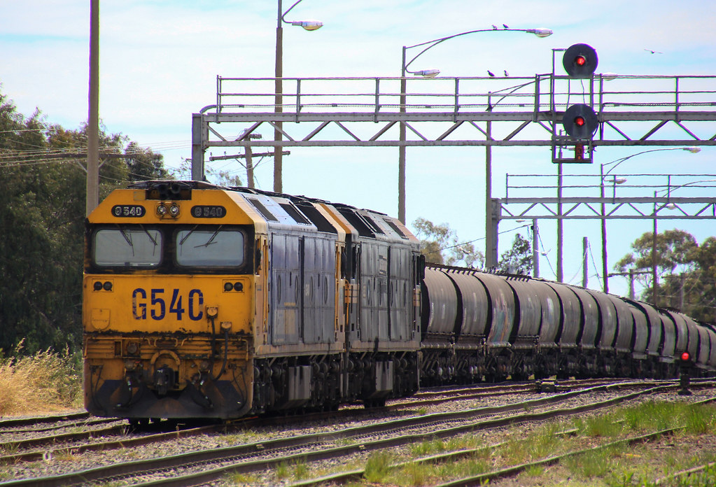 G540 and G523 sit shutdown in Dimboola yard waiting for the next grain run by bukk05