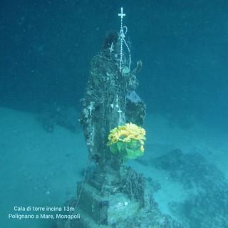 Leogrande omaggia la 'Madonnina' di Cala Incina (2)