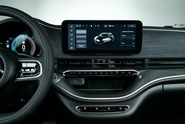 2021-Fiat-500-lineup-27
