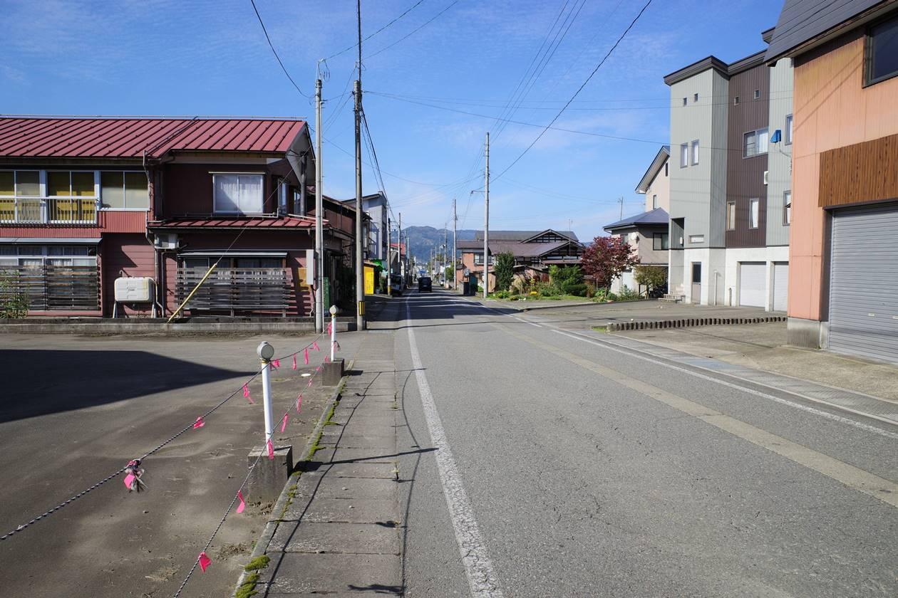 【新潟】金城山 バス通りを歩いて六日町駅へ