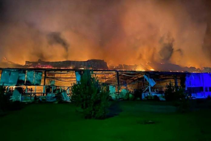 Požár v ukrajinské továrně Fischer
