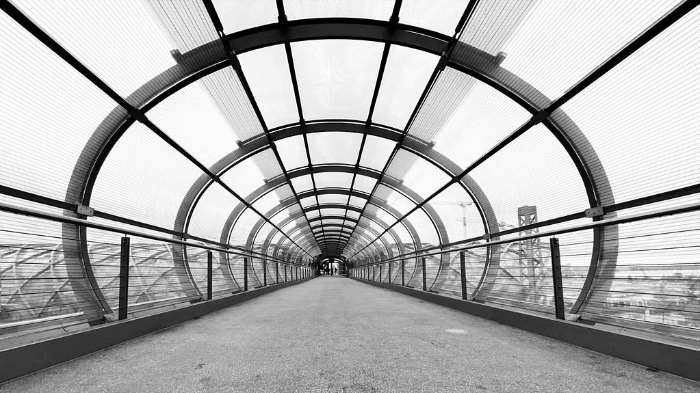 The Skywalk between the platforms.