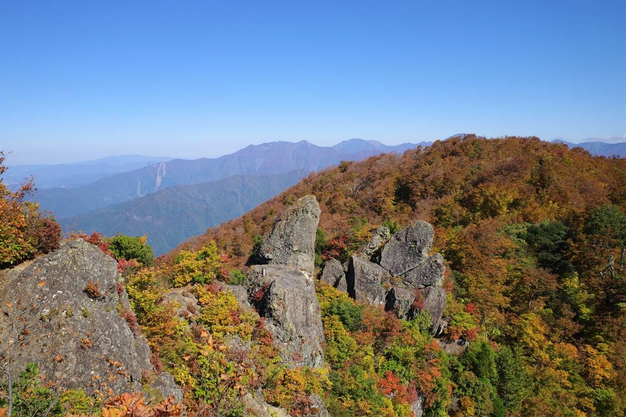 【新潟】秋の金城山 山頂から眺める八海山