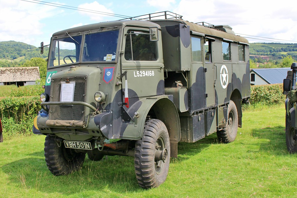 429 Bedford QLR Wireless and Command Vehicle (1943) VBH 501 N