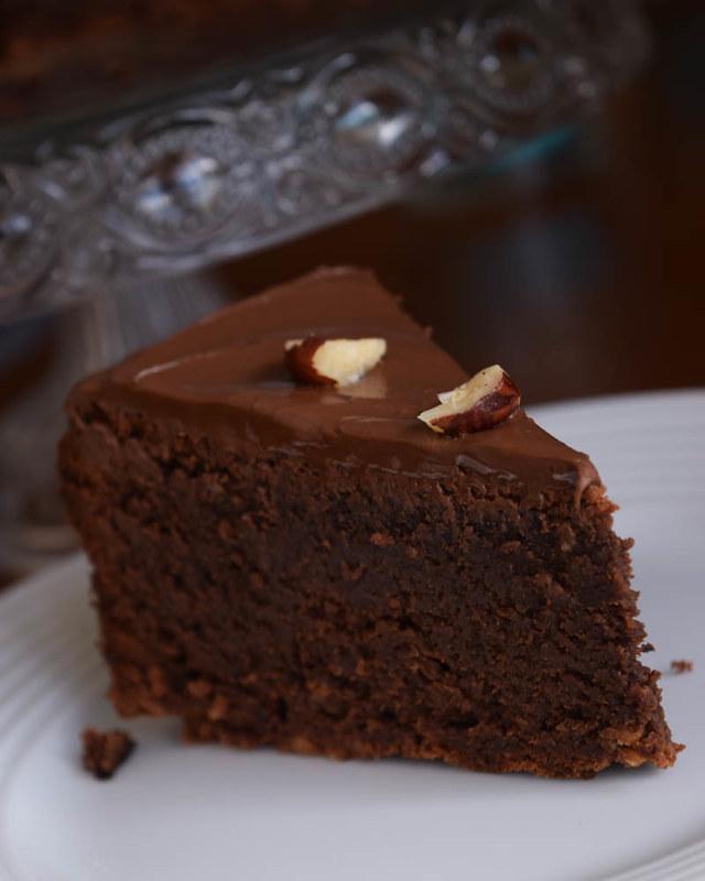 Chocolate hazelnut cake 3 insta