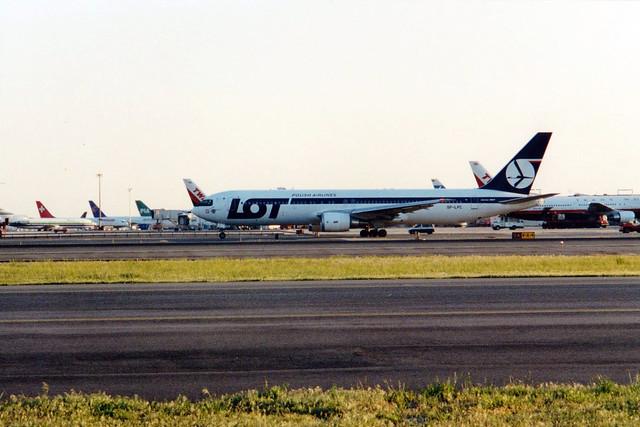 LOT Polish Airlines B767-300 SP-LPC departing JFK/KJFK
