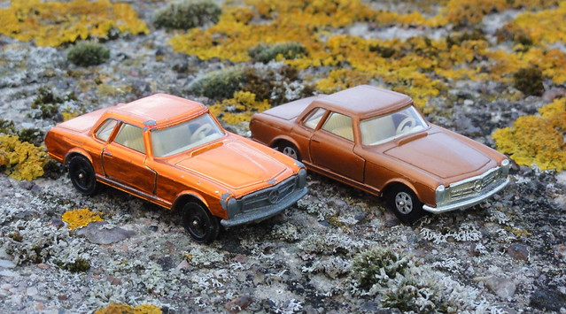 Corgi Rockets v Corgi Juniors Mercedes 280SL 1970 1971 rare colours