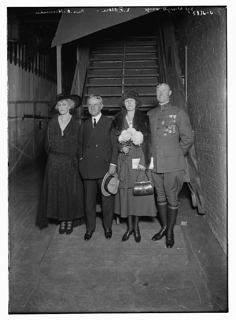 Sgt. Woodfill and wife, E.F. Albee, and Mrs. O. Harriman (LOC)