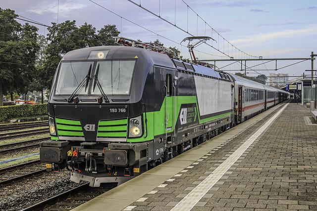 ELL E193 766 met IC Berlijn
